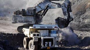 Une mine de charbon dans le désert du Gobi, au sud de la Mongolie.