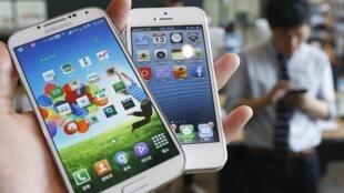 Wayoyin Samsung S4 da  Iphone 5