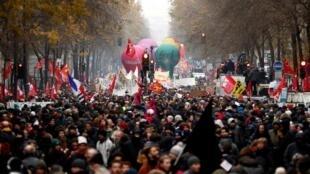 Mobilização do dia 5 de dezembro em França contra reforma das pensões