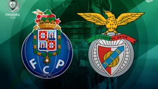 Emblemas do FC Porto e Benfica, este domingo14 de dezembro, no Estádio do Dragão