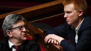 Les députés français LFI Jean-Luc Mélenchon et Adrien Quatennens, en avril 2019 au Parlement.