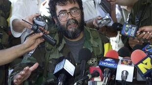 Farc leader Alfonso Cano speaking to the media in 2001