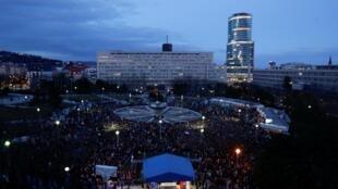 A Bratislava, manifestation pour le deuxième anniversaire du meurtre de Jan Kuciak et de sa fiancée, le 21 février 2020.