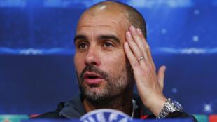 Pep Guardiola durante coletiva de imprensa nesta segunda-feira (11), em Munique.