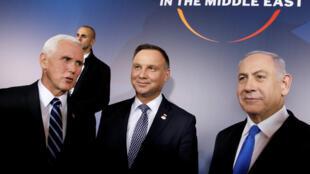 O vice-presidente american Mike Pence, o Presidente polaco Andrzej Duda e o Primeiro-ministro israelita Benyamin Netanyahu no castelo de Varsóvia onde decorre a conferência sobre o Médio Oriente.13 de Fevereiro de 2019