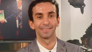 Ramón Alfredo Blanco en los estudios de RFI