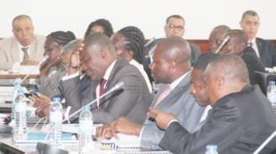 O Parlamento são-tomense aprovou ontem uma resolução que prevê a exoneração do juiz conselheiro, Silvestre Leite