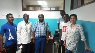 Thomas Mbussa (Club RFI Kampala), Songa Bahati Manassé (Club RFI Nakivalé), Laetitia Klotz Guilbert, enseignante à l'Alliance Française de Kampala et directrice des programmes de la web radio « Bonjour Kampala» et Lovelie Stanley Numa (Club RFI Haïti).