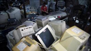 Depósito de lixo eletrônico em Kualar Lumpur, na Malásia.