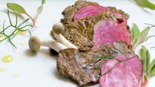 Startup israelense Aleph Farms foi a primeira a conseguir produzir uma carne sintética com músculos.