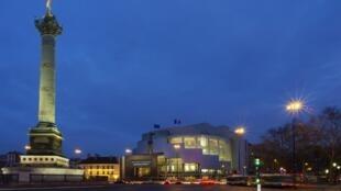 Opéra de Paris, Place de la Bastille