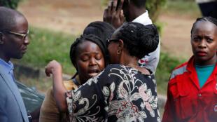 Mais de 700 civis foram retirados do complexo hoteleiro controlado por terroristas.