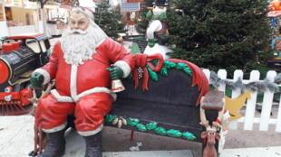 Ngôi làng Giáng Sinh Paris trong công viên Tuileries.