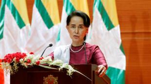 Bà Aung San Suu Kyi đọc diễn văn gửi đến quốc dân về hồ sơ Rohingya, ngày 19/09/2017 tại Naypyidaw, thủ đô Miến Điện.