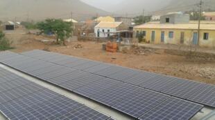Instalações eléctricas no Carriçal, São Nicolau, Cabo Verde
