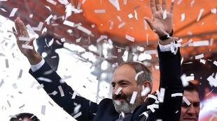 Nikol Pachinian foi eleito novo primeiro-ministro esta terça-feira