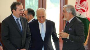 عبدالله عبدالله، زلمی خلیلزاد و جان بس سفیر آمریکا در کابل