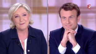 Marine Le Pen e Emmanuel Macron durante o debate.