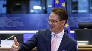 European Commissioner Jyrki Katainen gave the thumbs up to France's and Italy's budget on Tuesday