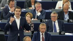 Le Premier ministre Alexis Tsipras devant les parlementaires à Strasbourg, le 8 juillet.