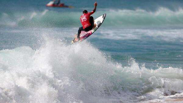 O brasileiro Italo Ferreira sagrou-se campeão do mundo de surf .