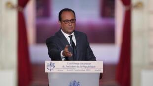 O presidente francês, François Hollande durante coletiva de imprensa nesta segunda-feira, 7 de setembro de 2015.