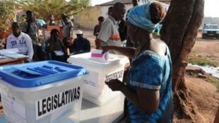 Assembleia de voto em Bissau. 13/04/18