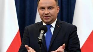 Le président polonais, Andrzej Duda, fera-t-il promulguer la hausse de deux milliards de zlotys pour les médias du service public ?