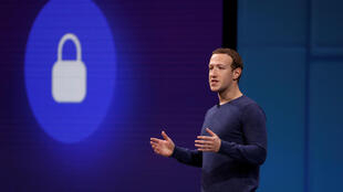 អគ្គនាយកក្រុមហ៊ុនហ្វេសប៊ុកMark Zuckerberg