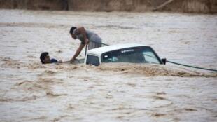 در ۱۳ استان ایران سیل جاری شده است