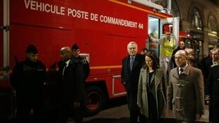 From right to left, Minister of the Interior Bernard Cazeneuve, Mayor of Nantes Johanna Rolland and former Prime Minister Jean-Marc Ayrault, on the scene of the attack in the centre of Nantes on 22 December 2014.