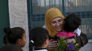 A palestina Hanane al-Hrub venceu o prêmio de melhor professor do mundo