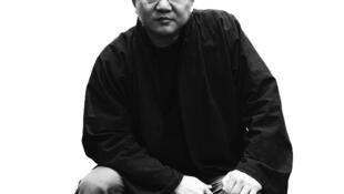 """O arquiteto  Wang Shu que foi premiado com o Pritzker, considerado o """"Nobel"""" da arquitetura."""
