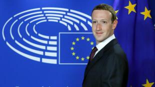 Chủ tịch Facebook Mark Zuckerberg lúc đến Nghị Viện Châu Âu tại Bruxelles, ngày 22/05/2018.