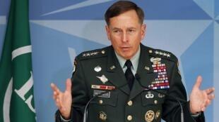 Командующий силами коалиции в Афганистане генерал Дэвид Петреус 01/07/2010.