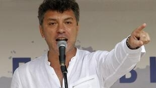 Борис Немцов на митинге в Москве 25/06/2011