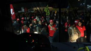 Rodoviários de Porto Alegre: ponta-pé inicial na greve geral.