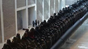 """艾未未""""法律之旅""""個人展將在布拉格國家美術館拉開帷幕 (2017年3月16日)"""