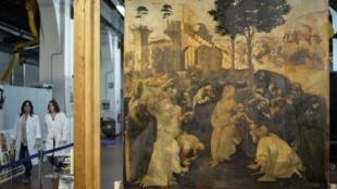 """O quadro """"Adoração dos Magos"""" representando o presépio do mestre renascentista italiano Leonardo da Vinci, durante sua restauração em Fortezza da Basso, Florença, 23/09/14."""