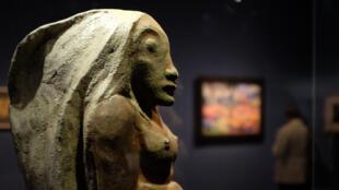 « Oviri » (Selvagem),1894, deusa maorie inventada por Gauguin.
