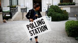 Избирательные участки открылись в Великобритании в 7 утра, 23 мая 2019.