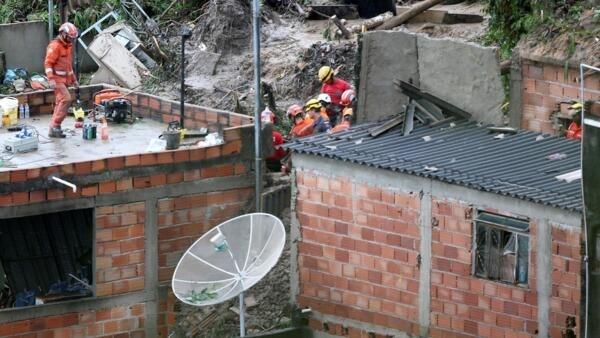 Imagens de destruição em Minas Gerais estamparam as páginas de vários jornais fora do Brasil.