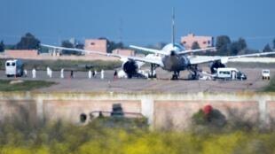 Le Boeing 787-8 «Dreamliner» de Royal Air Maroc qui a ramené des citoyens marocains de Wuhan, le 2 février 2020 sur l'aéroport Benslimane dans la région de Casablanca-Settat.