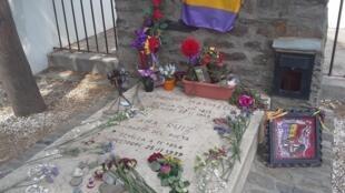 La tumba de Antonio Machado en el cementerio de Collioure.