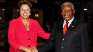 Presidenta Dilma Rousseff, durante encontro bilateral com o presidente de Moçambique, Armando Emílio Guebuza, 27 de março de 2013-  Durban - África do Sul