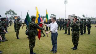 Shugaban Colombia  Juan Manuel Santos da wasu Shugabanin yan tawayen ELN