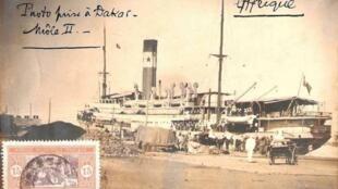 Une photographie ancienne du paquebot «l'Afrique».