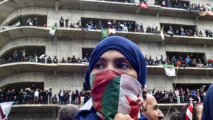 Manifestation dans les rues d'Alger le 8 mars 2019.