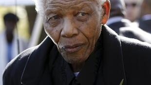 Mandela em uma das suas últimas aparições em público, em junho de 2010.