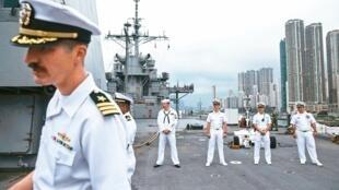 中国外交部发言人华春莹宣布,从今日起不再审批美国军舰、军机停靠香港的申请                2019年12月2日